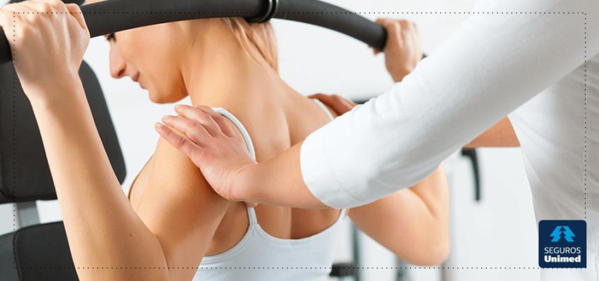 A dor na coluna pode ser tratada por meio da atividade física, sabia?