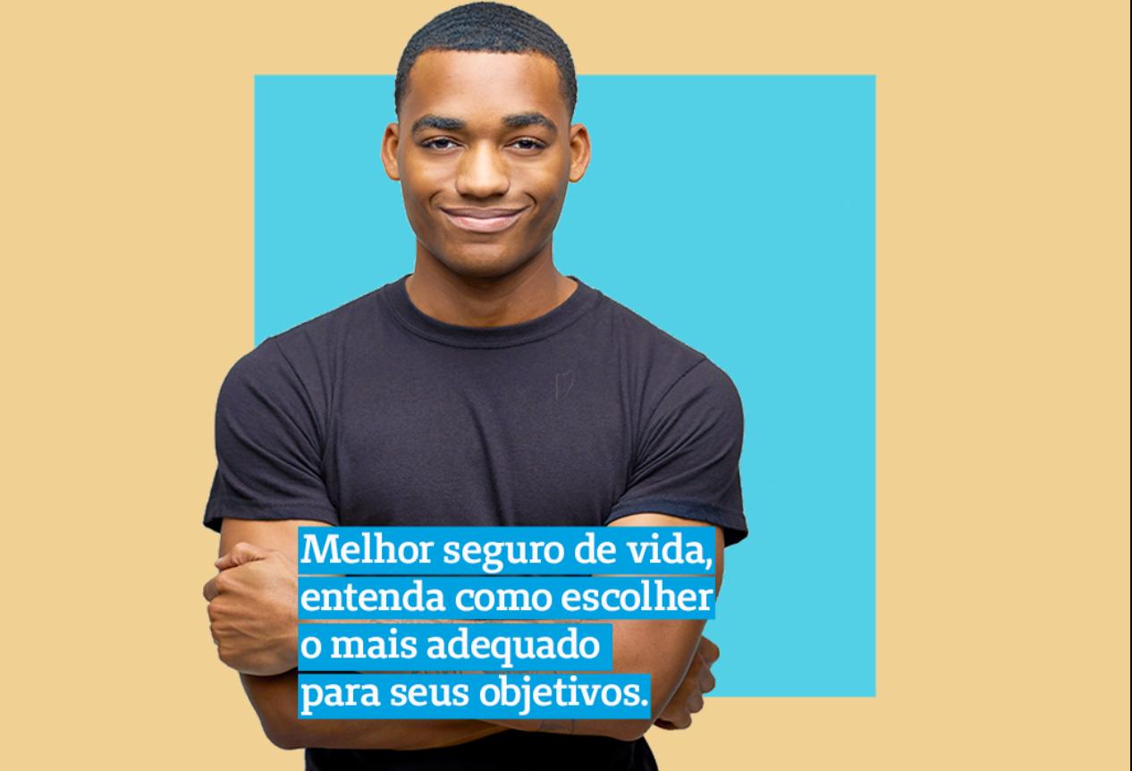 imagem de um homem de camiseta preta e de braços cruzados em frente a um fundo azul e com o título do artigo em destaque a sua frente